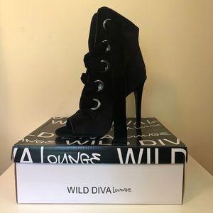 Wild Diva 👩🎤Carmela Bootie in Black New In Box